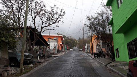 Frío de -5 grados padecen habitantes de faldas del Cerro de la Silla
