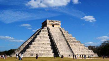 Alistan protestas por show de Manzanero en Chichén Itzá