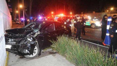 Joven ebrio choca contra alcoholímetro y hiere a dos policías