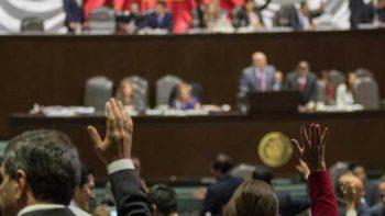Salen 15 'chapulines' del Congreso; van por candidaturas