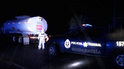 Gendarmería recuperó auto tanque abandonado con 18 mil litros de hidrocarburo