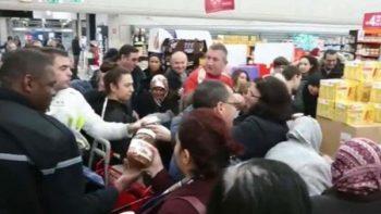 Golpes, jalones y sangre por comprar botes baratos de Nutella (VIDEOS)