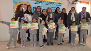 Alumnos de kinder participan en concurso de oratoria 'Sentimiento Juarista'