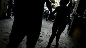 Mujer sometía a su hija de siete años a prostitución