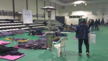 Dan refugio a causa del frió a 105 personas en Matamoros