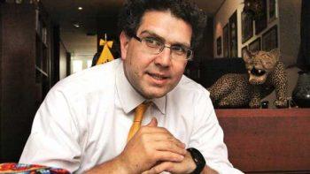 Ríos Piter critica gasto de partidos políticos en precampañas
