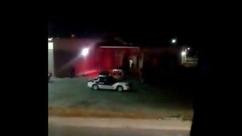 Captan a policías en presunto robo a Aurrerá en Zumpango (VIDEO)