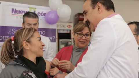 Lleva Salud vacunación contra influenza a Santa Catarina
