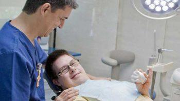 Brindan atención bucal especial a personas con Síndrome de Down