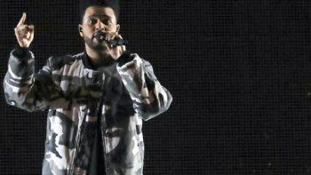 The Weeknd rompe con H&M por polémica de sudadera