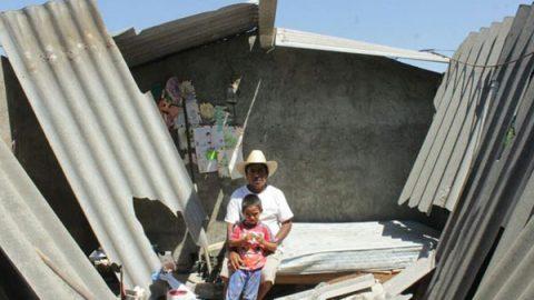Suman cuatro mil casas dañadas por sismo de 7.2 en Oaxaca