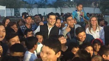 Entrega Guadalupe nueva plaza a colonos de la 2 de mayo