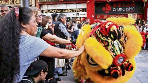 Reciben el año nuevo chino del perro de tierra en la CDMX