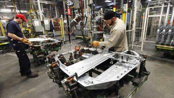 La economía emite señales de débil recuperación: Inegi