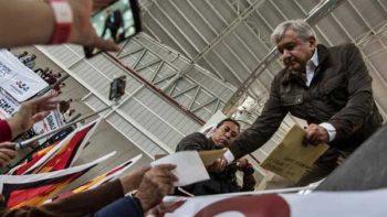 Al ganar las elecciones regresará Gómez Urrutia del exilio: AMLO