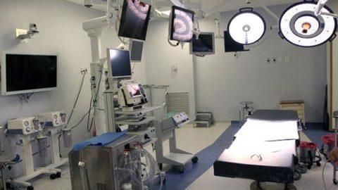 Buscan castigar a médicos que operen sin cédula