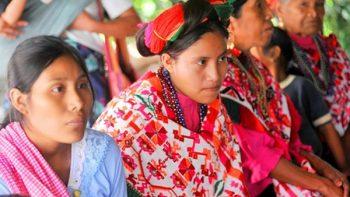 Reprimen uso de lenguas indígenas