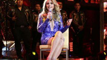 Lucero canta temas de su nuevo disco 'Más enamorada con Banda'