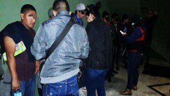 Hallan 45 migrantes hacinados en hotel de Matamoros