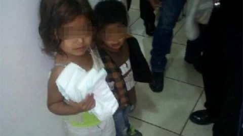 Niña abandonada de cinco años cuidaba de sus hermanos menores