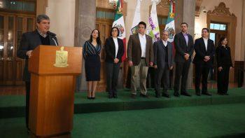 Toma protesta Gobernador a nuevos funcionarios