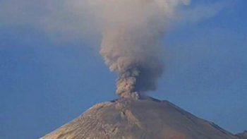 Volcán Popocatépetl registra exhalación de mil 800 metros