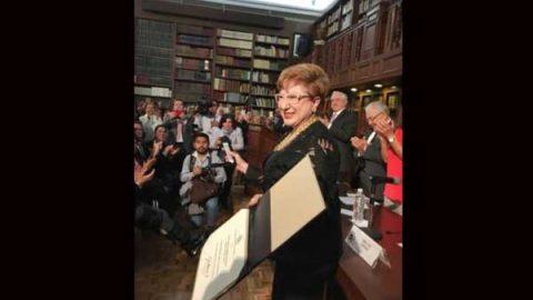 Dan a ministra Margarita Luna premio de equidad de género