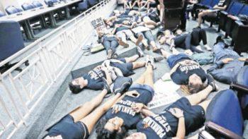 Estudiantes de Florida llevan su protesta ante legisladores