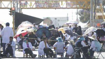 Protesta de trabajadores de la Salud de Oaxaca lleva 23 días