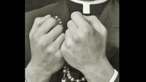 Detienen a sacerdote acusado de abuso sexual a menor de 12 años