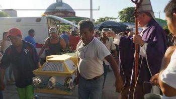 Sepultan en Jamiltepec a víctimas de helicóptero desplomado