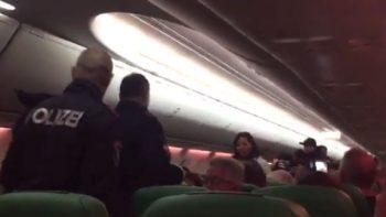 Aterrizan de emergencia porque un pasajero no dejaba de echarse gases