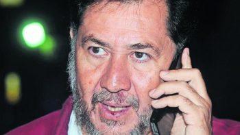 Fernández Noroña viaja a Venezuela para defender a gobierno de Maduro