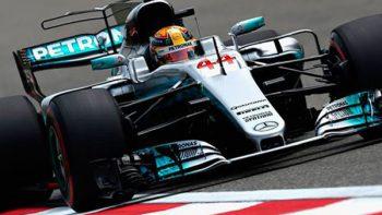 Lewis Hamilton domina etapa de pruebas en Australia