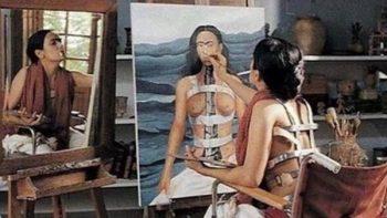 Salma Hayek recuerda a Frida Kahlo en Día Internacional de la Mujer