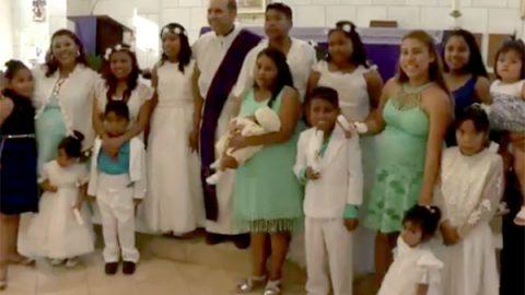 El bautizo de los 10 hijos de una mujer de 30 años, genera polémica en Monterrey
