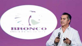 Pasa charola 'El Bronco' con banqueros