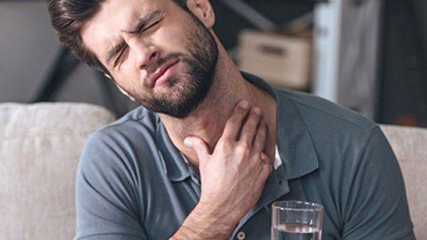 'Epidemia' de cáncer de garganta en hombres que dan sexo oral a mujeres