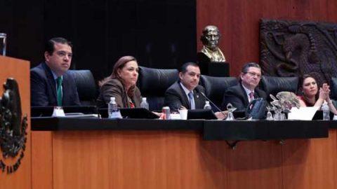 Celebra Cordero freno a intento de remoción de presidencia del Senado