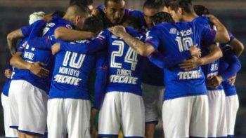 Cruz Azul despierta del coma y golea 5-0 al Pachuca