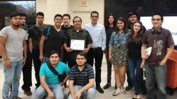 David Carrizales de 'El Universal' compartió sus experiencias en 'Frente a Frente'