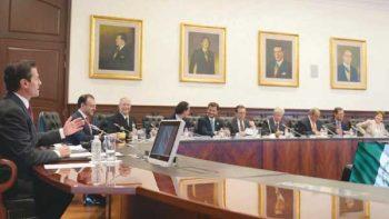 EPN reúne a gabinete para revisar avance de compromisos