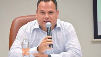 Oscar Cantú pide licencia definitiva para separarse de la alcaldía