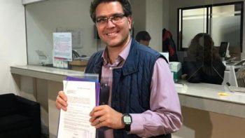Ríos Piter pide registro como candidato presidencial