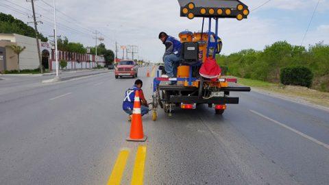 Refuerza gobierno municipal seguridad vial en carretera Ribereña