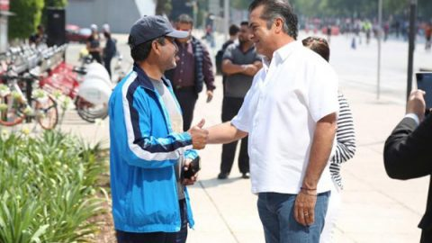 'El Bronco' recorre Paseo de la Reforma previo al debate