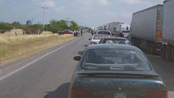 Productores agrícolas cierran carretera en Tamaulipas