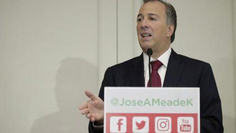 Meade promete hacer deducibles colegiaturas de universidades
