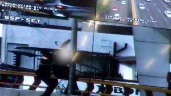 Policías de tránsito evitan suicidio en puente de Mixcoac