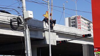 Policías de Monterrey evitan suicidio